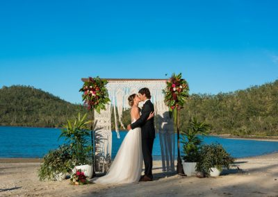 A true romantic Whitsundays wedding